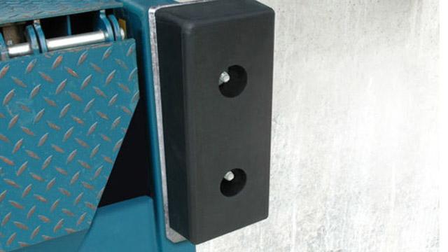 butoirs-de-quai-fixe-en-caoutchouc-r452010-et-r452015-000793842-product_zoom